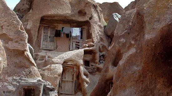 هتل صخرهای روستای کندوان