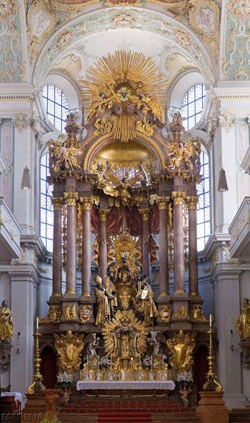 تلفیق ایمان و هنر؛ زیباترین محرابهای کلیسا در جهان!