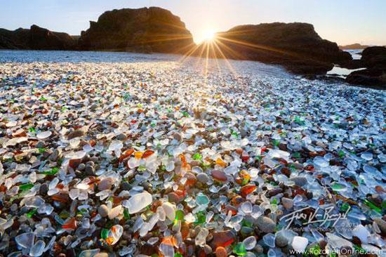 با ۱۰ ساحل عجیب جهان آشنا شوید