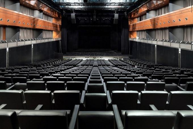 539fc216c07a80fed5000081_luxury-village-and-mercury-theatre-project-meganom_050