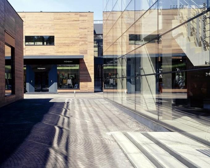 539fc30fc07a80fed5000082_luxury-village-and-mercury-theatre-project-meganom_luxury_village