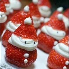 تزئین توت فرنگی به شکل آدمک بابا نوئل
