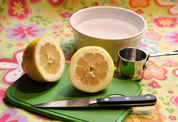 تمیز کردن مایکروویو با لیمو