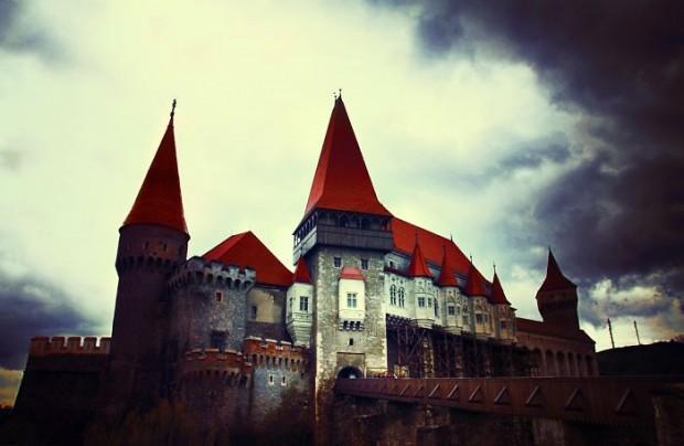 16 The Corvin Castle In Hunedoara, Romania