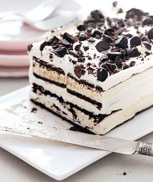 کیک بستنی با چیپس شکلاتی