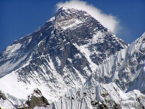 دانستنی ها گوناگون  , 10 دانستنی جالب در مورد قله اورست