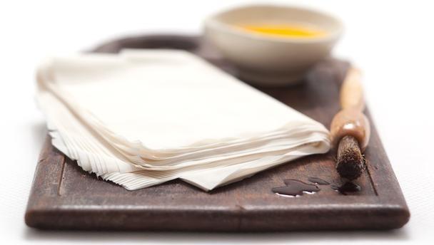 دستور پخت غذا  , طرز تهیه خمیر فیلو (یوفکا)