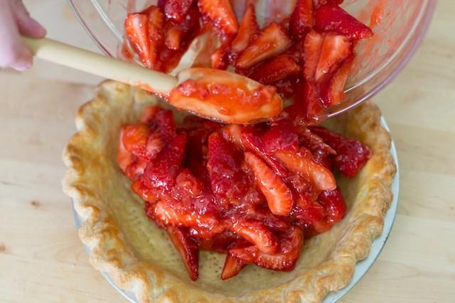 نان، شیرینی، دسر  , طرز تهیه پای توت فرنگی