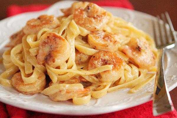 دستور پخت غذا  , طرز تهیه پاستای میگو با سس پستو