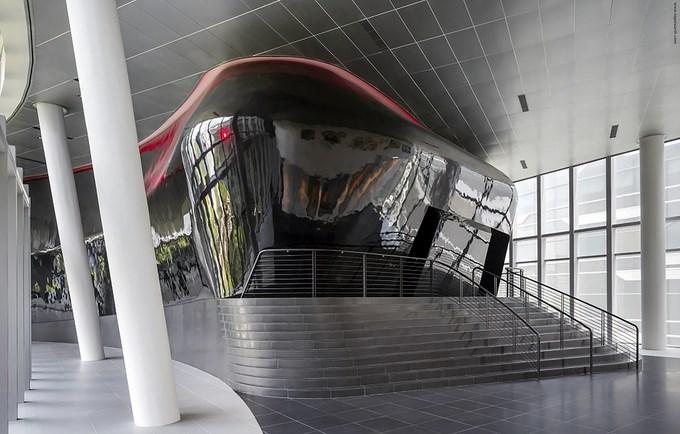53e1c624c07a8018740002ba_sandcrawler-andrew-bromberg-of-aedas_sandcrawler__singapore__by_andrew_bromberg_of_aedas_theater_prefunction