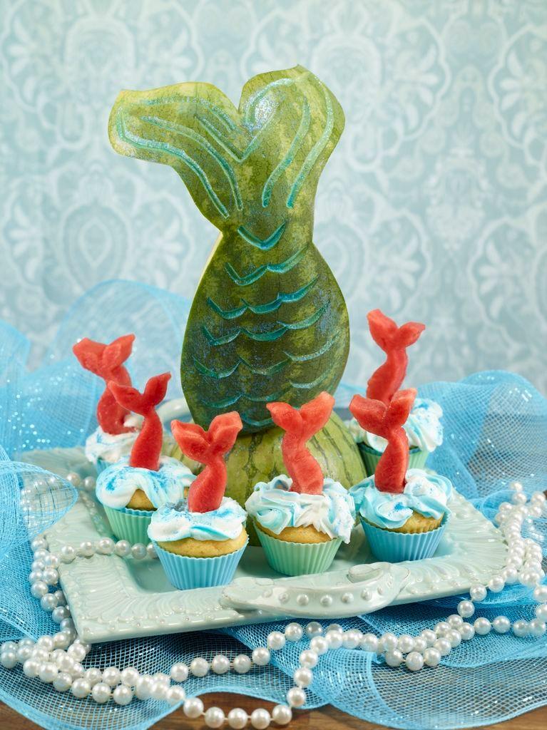 تزئین هندوانه به شکل پری دریایی