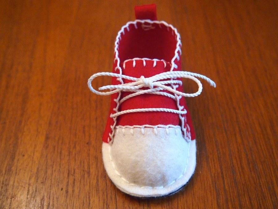 آموزش روش دوختن کفش نمدی بچگانه - آموزش خیاطی - دوختن کفش بچه با فوتر