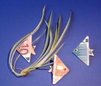 تزئین پول یه شکل ماهی برای عیدی دادن