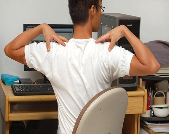 چند نمونه حرکت یوگا هنگام کار با رایانه