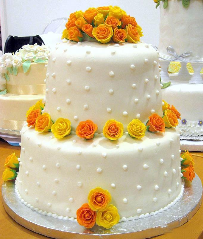خمیر فوندانت ساده(مخصوص تزیین زیبای کیک و شیرینی)