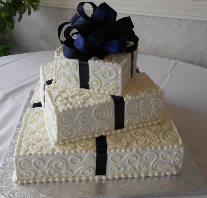 چند نمونه تزئین کیک عروسی چند طبقه مربع شکل