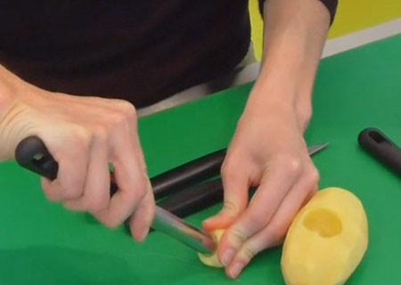 آموزش تصویری تزیین سیب زمینی به شکل قارچ