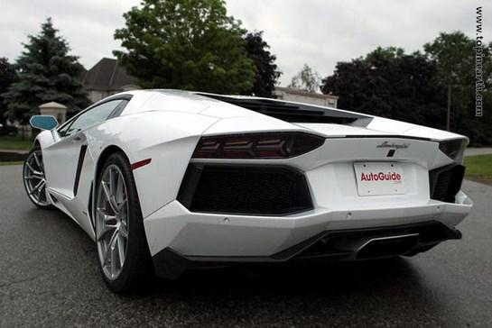 Lamborghini-Aventador-02