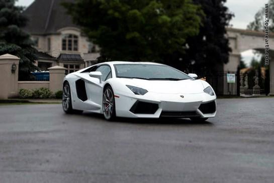 Lamborghini-Aventador-12