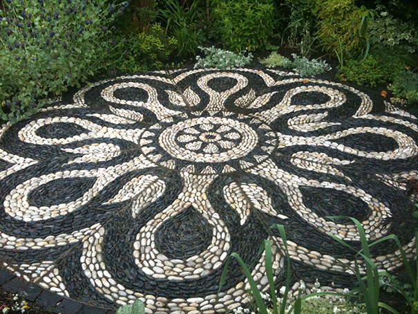garden-pebble-stone-paths-202