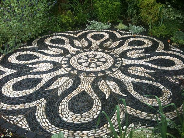 garden-pebble-stone-paths-202