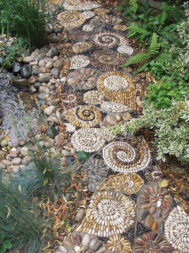 garden-pebble-stone-paths-72