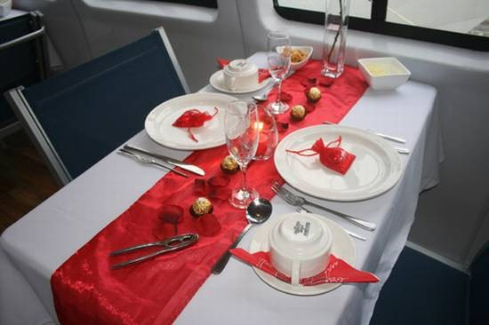 چند نمونه چیدمان میز شام عاشقانه