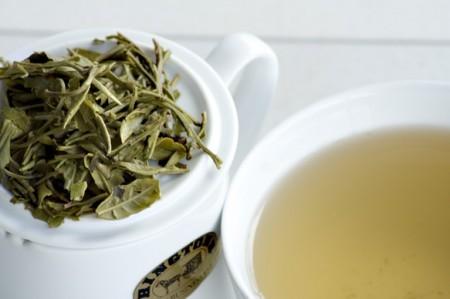 چای سفید برای جوان سازی پوست