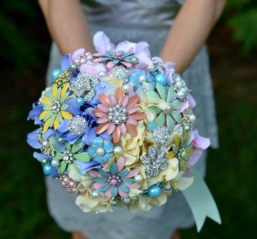 دسته گل عروس از سنجاق سینه ۳