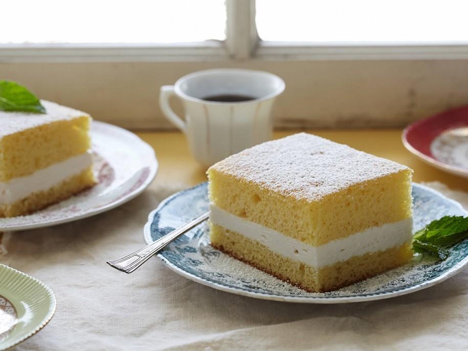 کیک اسفنجی فوری(بدون نیاز به همزن برقی)