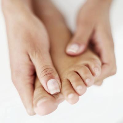 بیماری ها پزشکی و سلامت  , علل خواب رفتن دست و پا چیست؟