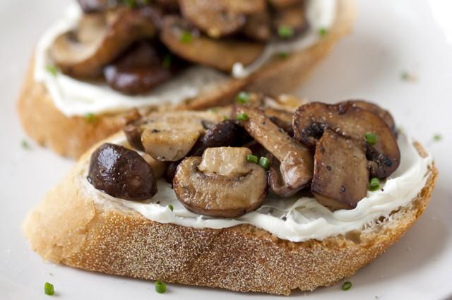 فست فود  , طرز تهیه تست قارچ خامه ای
