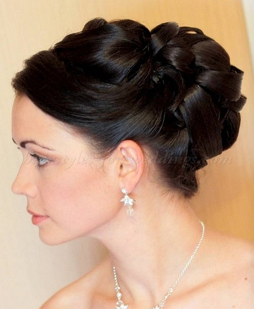 آرایش عروس, آرایش موی عروس , آرایش و موی عروس , تزیین موی عروس , شینیون , شینیون جدید مو , شینیون جدید موی عروس , شینیون زیبا , شینیون عروس, شینیون موی عروس