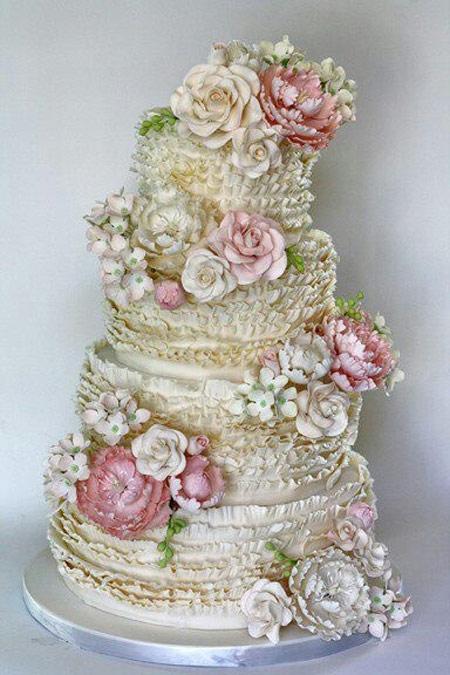 نمونه های تزئین کیک عروسی ۳