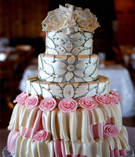 نمونه های تزئین کیک عروسی ۴