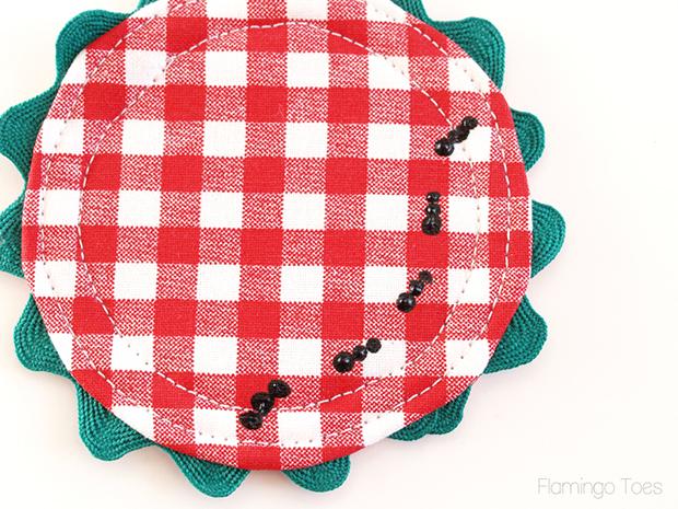 sewing-rickrack-to-coaster-8