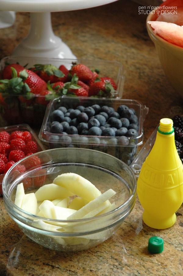 طرز تهیه کیک تولد فقط با میوه ها (مخصوص طرفداران میوه ها)