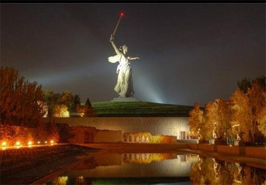 مجسمههایی که گردشگری دنیا را رونق دادهاند+عکس