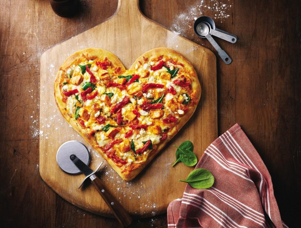 خمیر پیتزا زعفرانی,آموزش تهیه خمیر پیتزا٬ خمیر پیتزا٬ خمیر پیتزا خانگی٬ دستور تهیه خمیر پیتزا٬ روش تهیه خمیر پیتزا٬ طرز تهیه خمیر پیتزا٬ طرز تهیه خمیر پیتزا زعفرانی٬ پیتزا خانگی