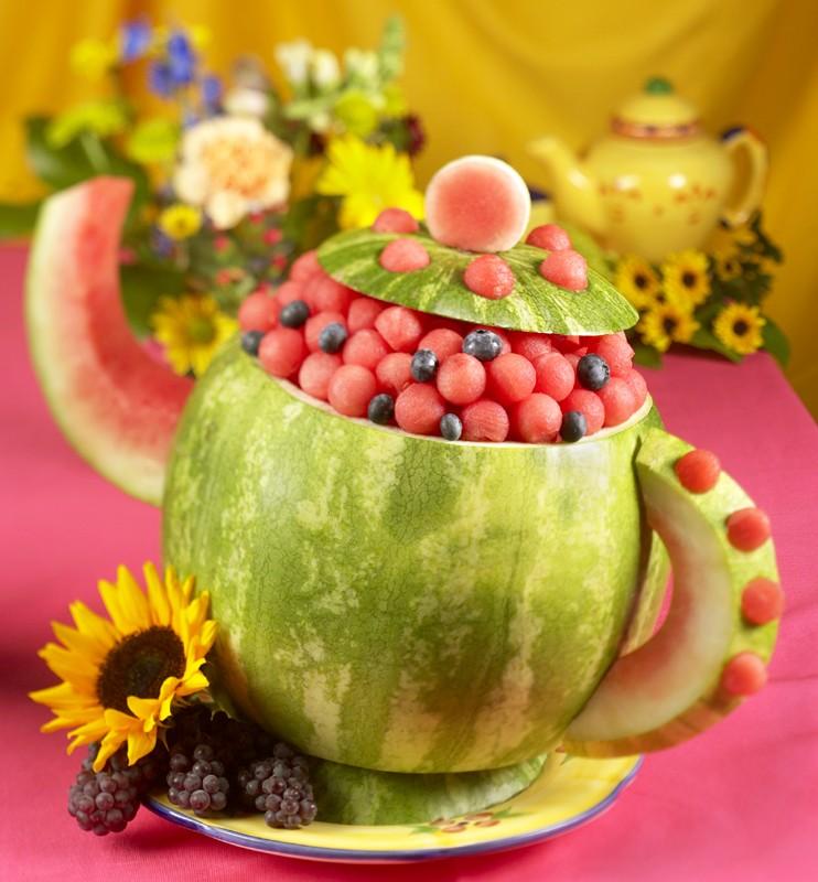 هندوانه شب یلدا,تزیین هندوانه شب یلدا,تزیین هندوانه - تزیین هندوانه به شکل قوری