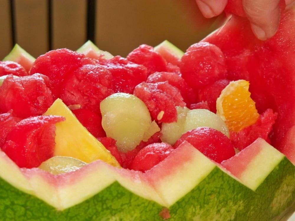 آموزش تزیین هندوانه به شکل سبد میوه