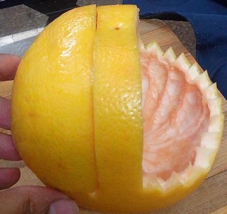 تزئین گریپ فروت به شکل سبد میوه (آموزش تصویری)