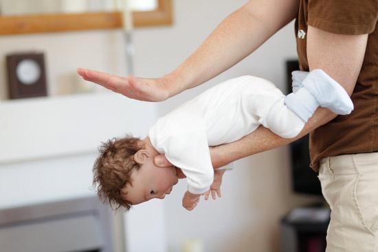 کمک های اولیه پیشگیری از خفگی کودک