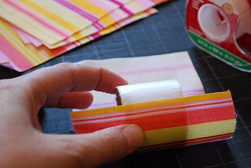 ساخت حلقه, حلقه ,تزئین دستمال سفره , دستمال سفره , ساخت ,حلقه تزیینی, سفره آرایی,کاردستی, هنر بازیافت