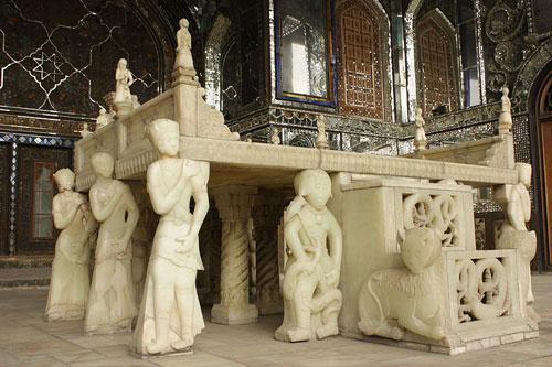 تخت مرمر کاخ گلستان