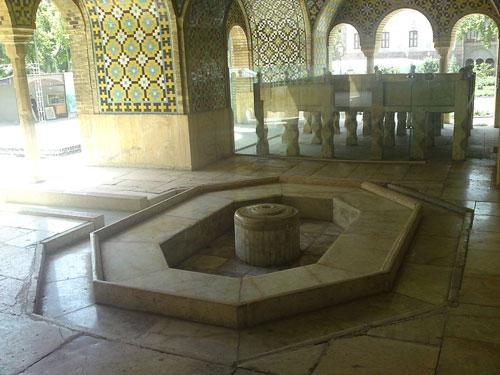 جاذبه های ایران گردشگری  , کاخ گلستان نگین کاخهای تهران