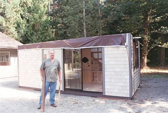 شاید در نگاه اول این خانه بسیار کوچک به نظر بیاید ولی با دیدن داخلش تعجب خواهید کرد