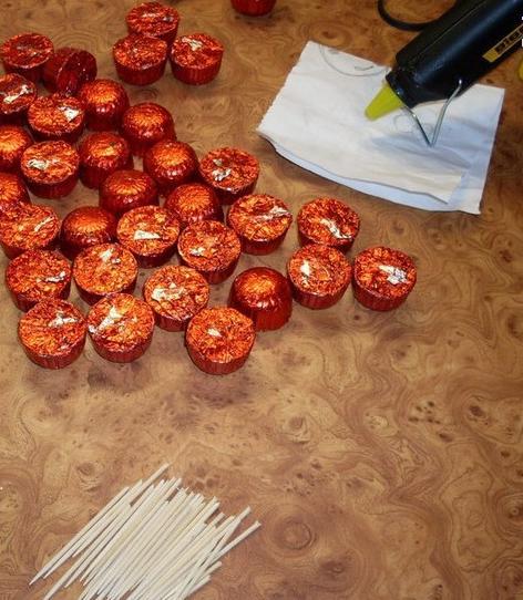 آموزش هنرهای دستی  , تزیین شکلات به شکل خوشه انگور