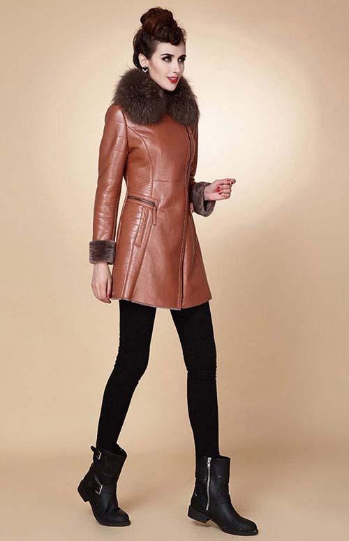عکس: جدیدترین مدل های پالتو, مدل های جدید پالتو ,مدل پالتو,پالتو 2015,پالتو با تزئین خز, پالتو خزدار, پالتو دخترانه,پالتو زنانه ,پالتو شیک,پالتو پشم زنانه