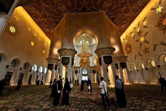 مسجد شیخ زاید بن سلطان نهیان واقع در ابوظبی
